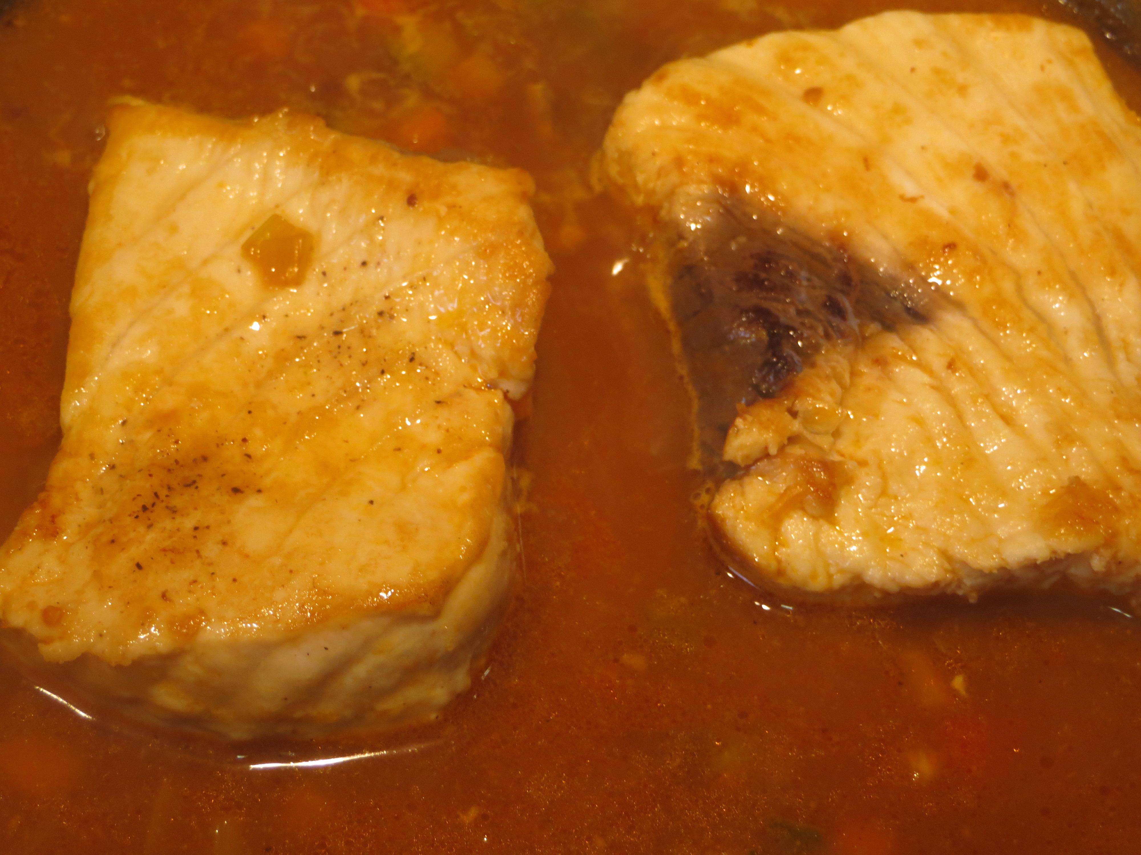 Jugando con fogones receta de emperador pez espada con for Pez espada en salsa de almendras
