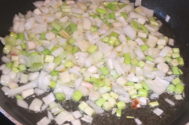 pochado de ajos y cebolleta