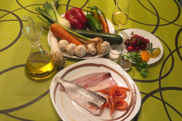 ingredientes lubina y gambas en papillote