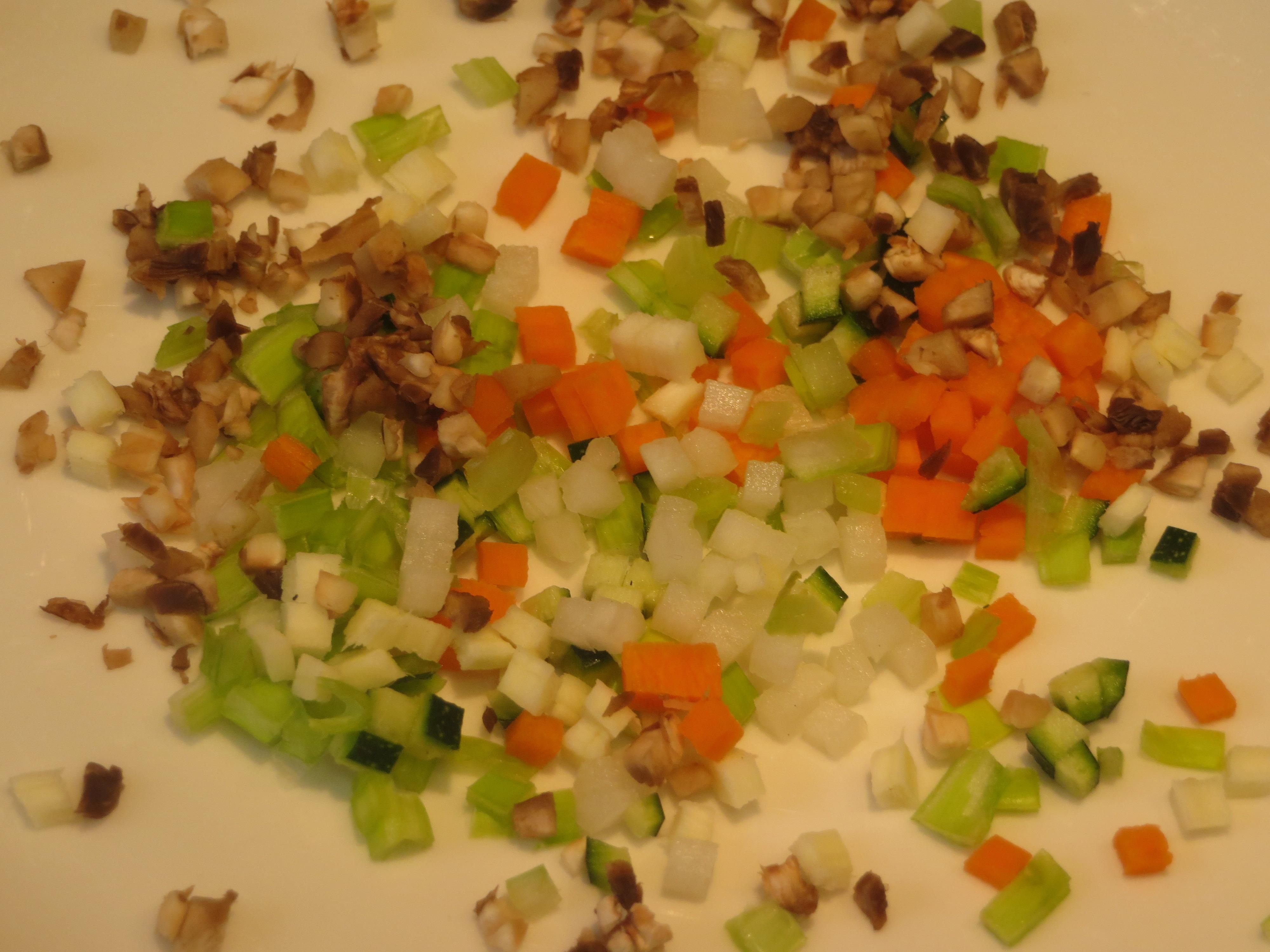verduras cortadas en dados pequeños