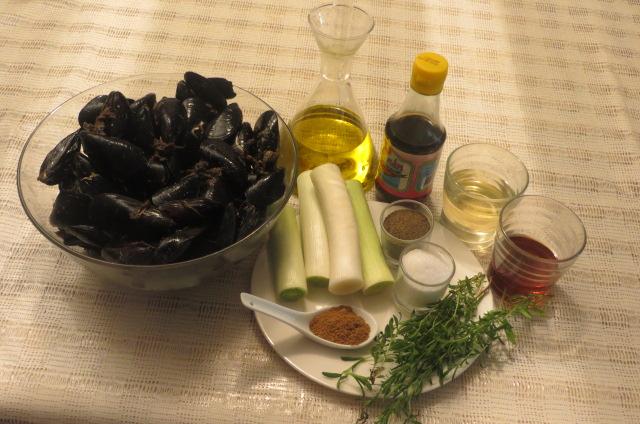 ingredientes de los mejillones con puerros y sajolida