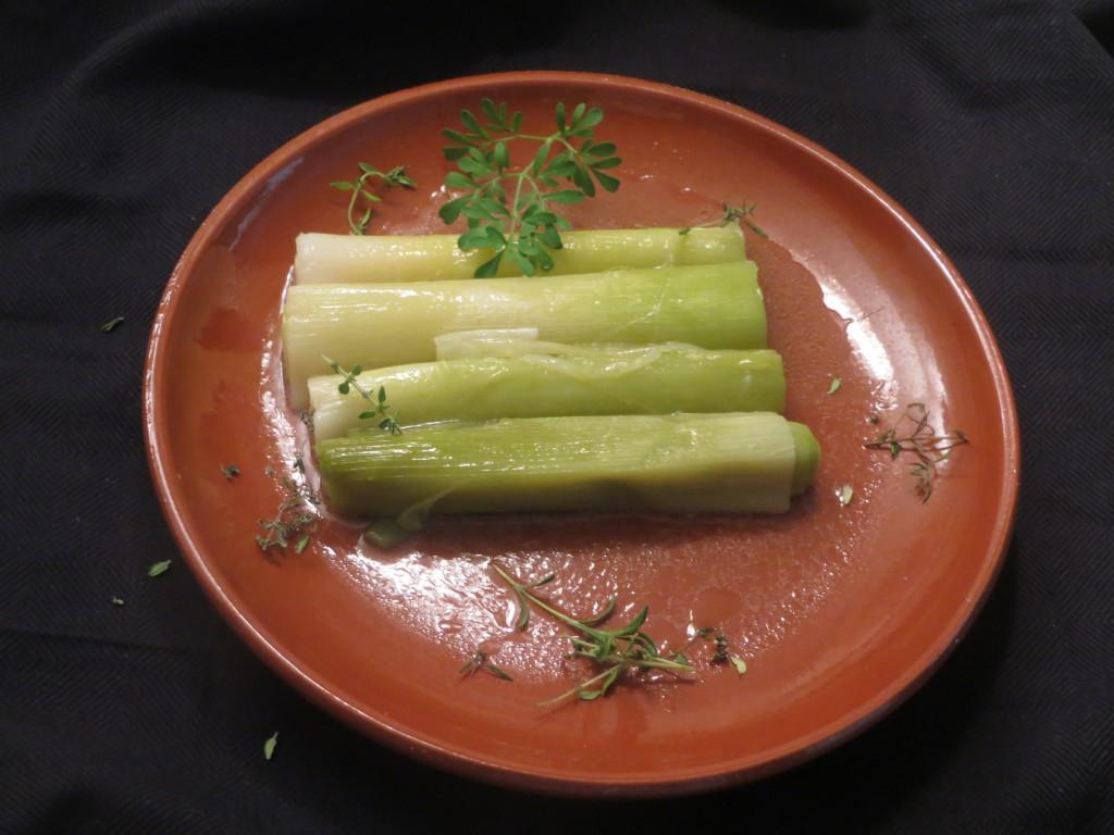 puerros con salsa receta de Apicio