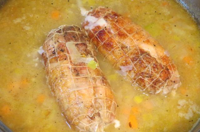 rollitos de pollo en el caldo