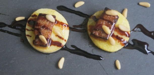 montaditos de manzana ácida y mousse de oca