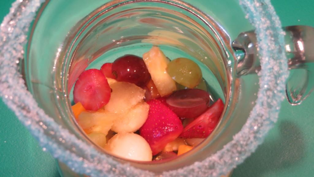 fruta en la jarra