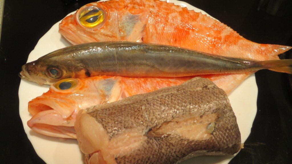 pescados limpios y con sal