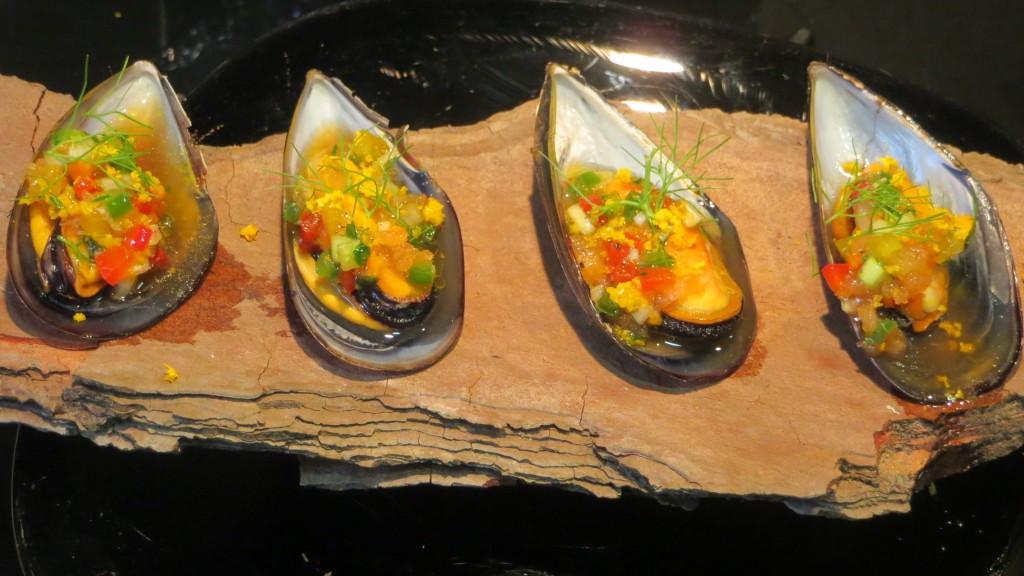 mejillones con vinagreta de cítricos y verduras