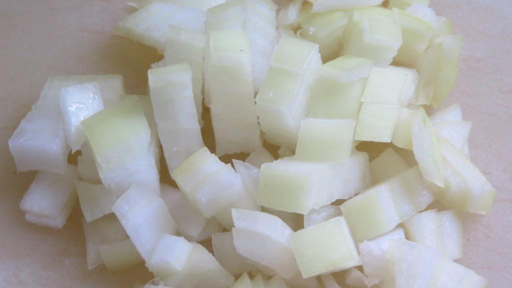 cebolla cortada en Brunoise