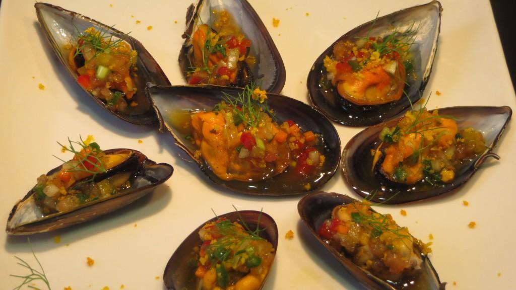 mejillones con vinagreta de verduras y aroma de cítricos