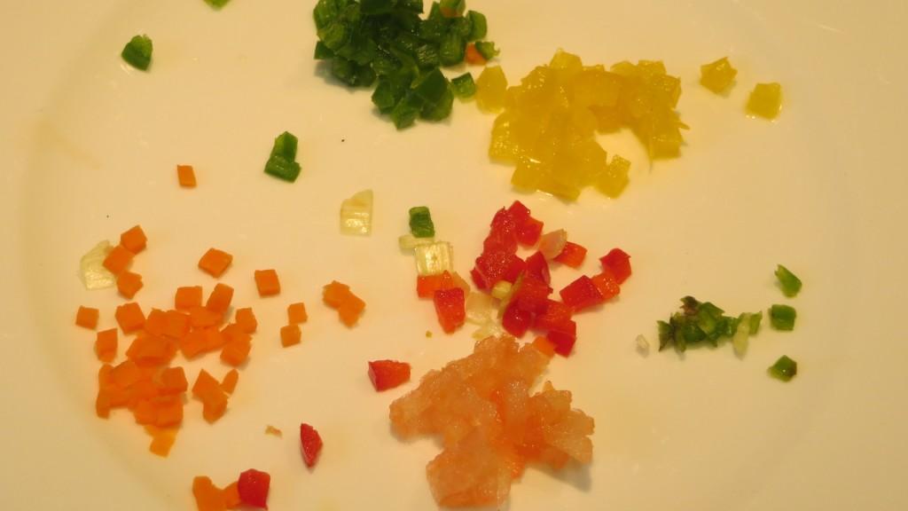 verduras cortadas a cuadraditos muy pequeños