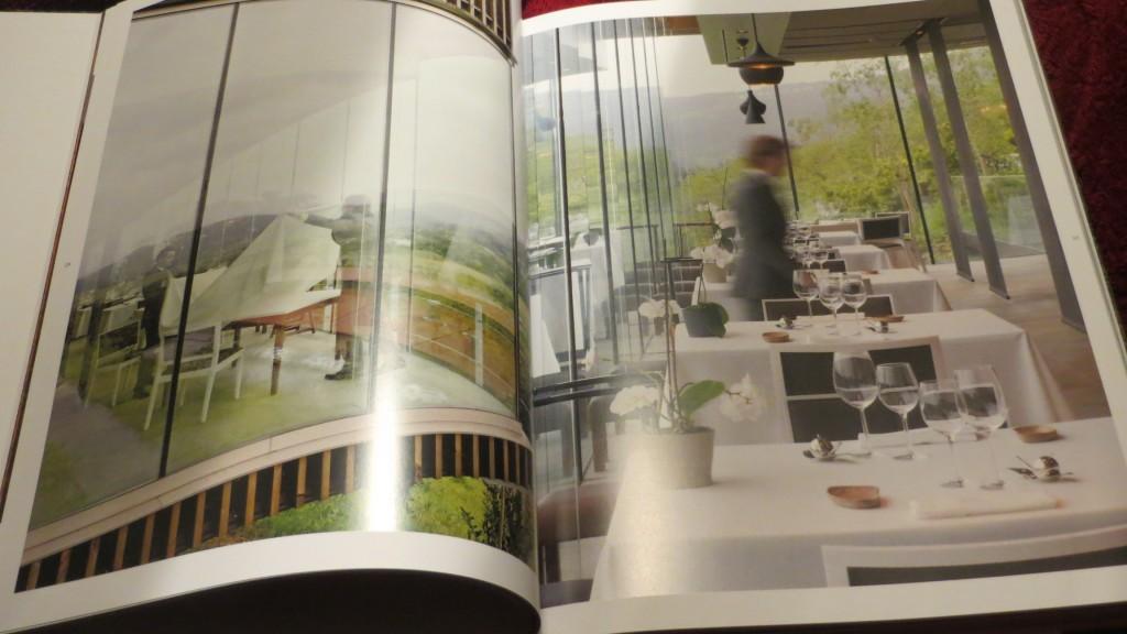 una ilustración del interior del restaurante azurmendi