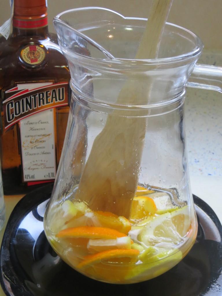 licores mezclados en la jarra