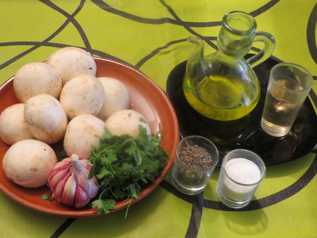 ingredientes de salteado de champiñones con ajo y perejil