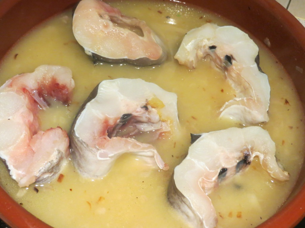 congrio incorporado al caldo de pescado