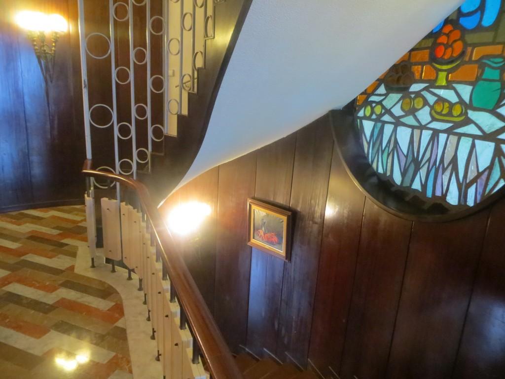 escalera  del restaurante Portinyol