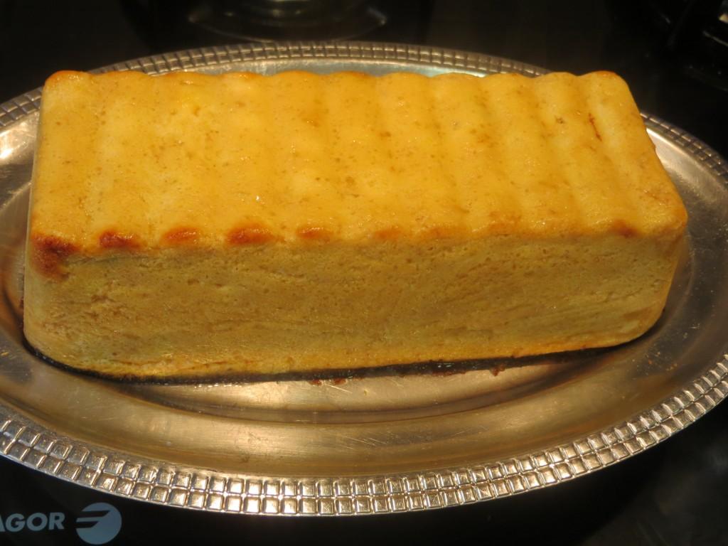pastel de rape con mariscos acabado de hornear