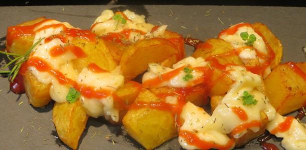 patatas bravas fritas