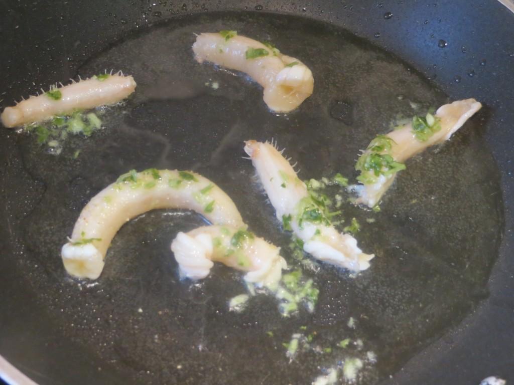 pepinos de mar salteados