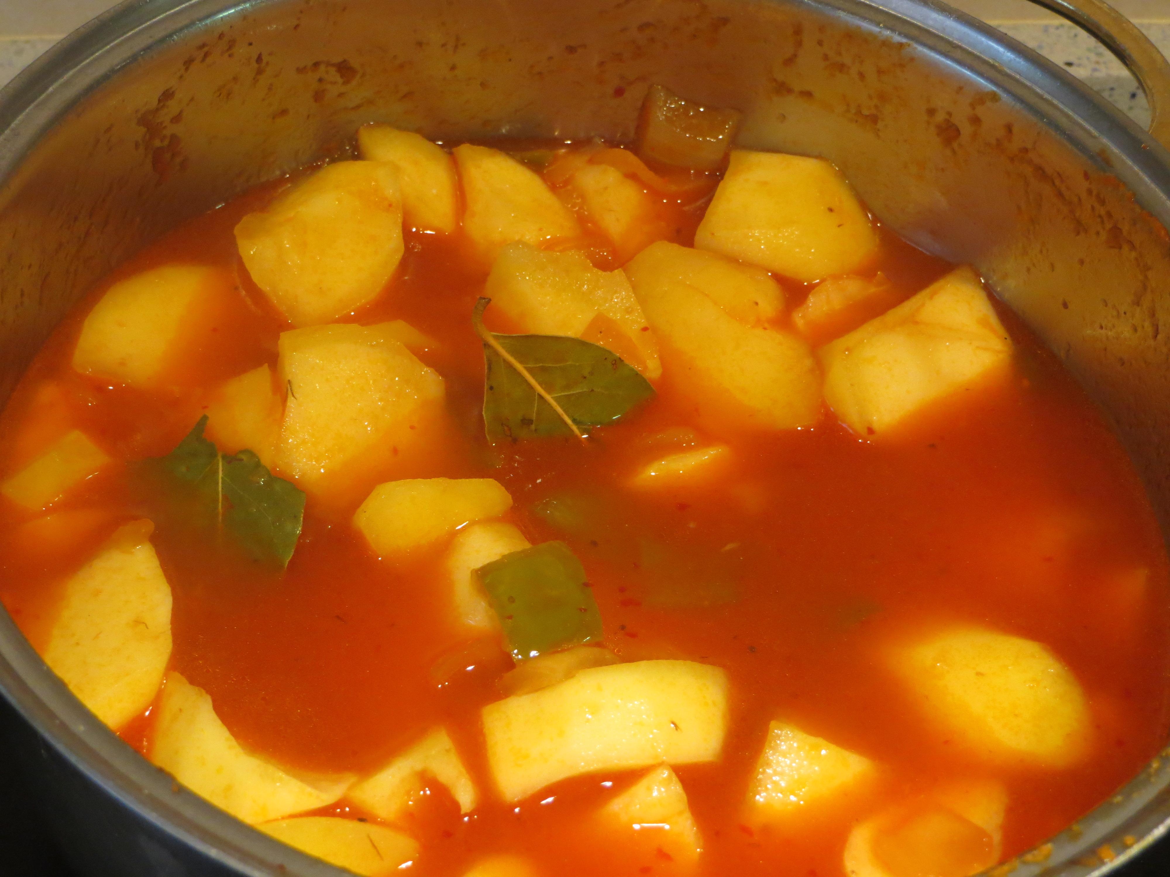 Jugando con fogones c mo hacer un estofado de patatas con - Tiempo para cocer patatas ...