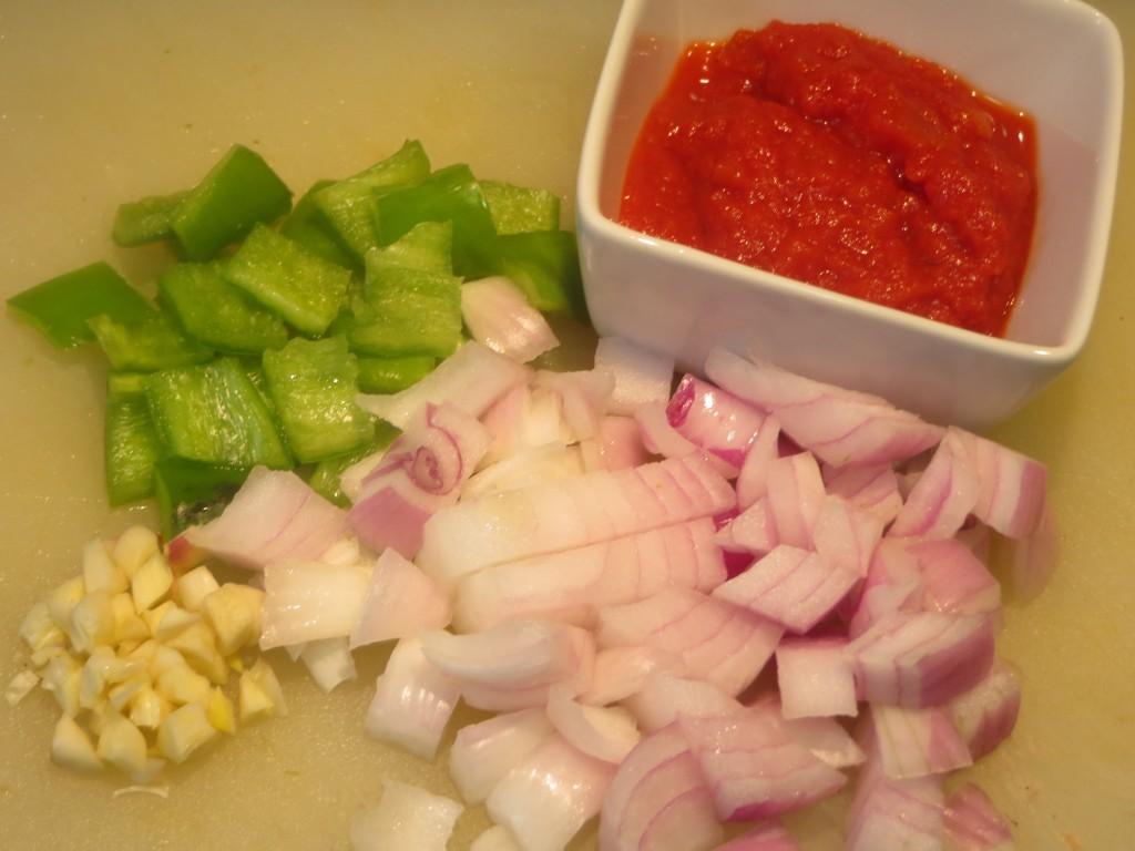 verduras y tomate preparados para el estofado