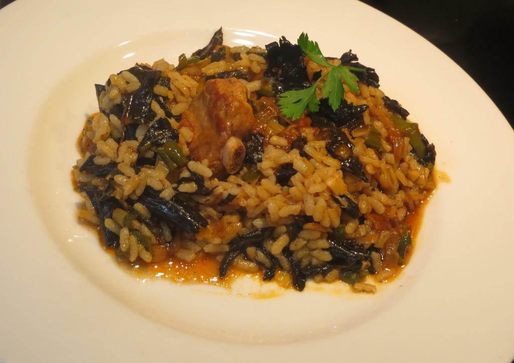 arroz con costillas y trompetas negras