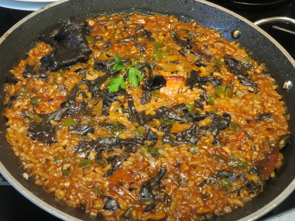 arroz con costillas y trompetas de los muertos