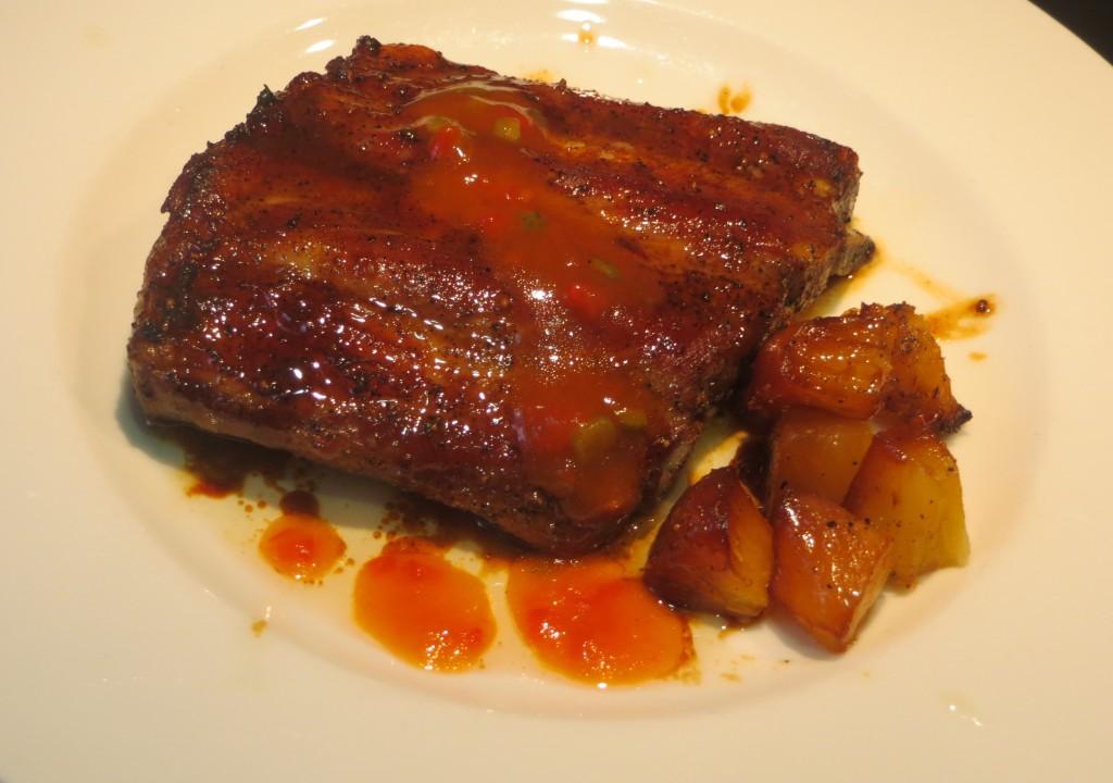 costillas de cerdo adobadas y asadas