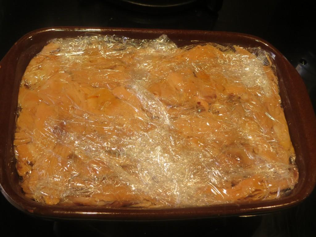 bloque de carne de cochinillo acabado de cubrir