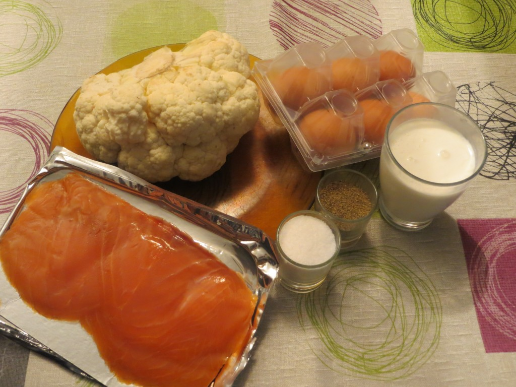 ingredientes pastel de salmón con coliflor
