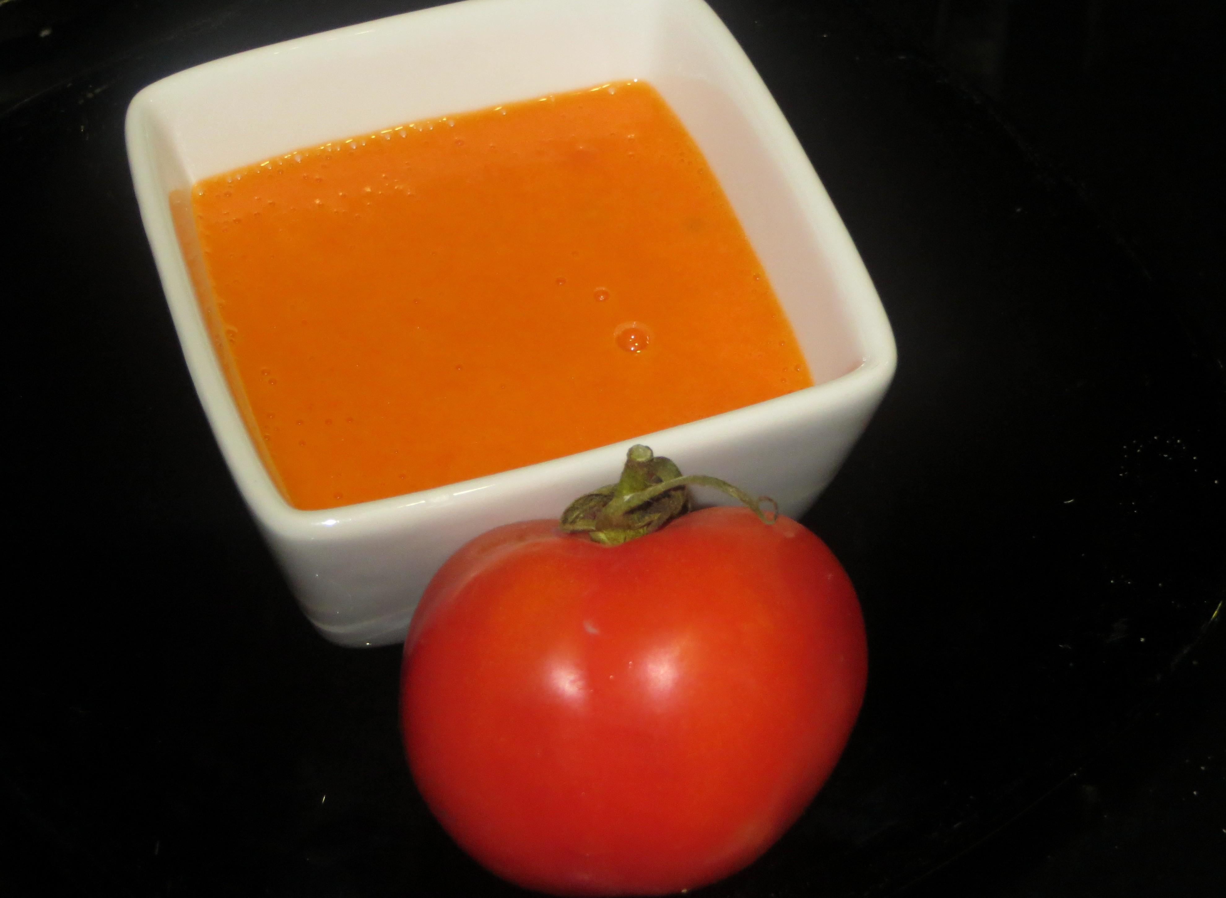 puré de tomate con aceite y sal