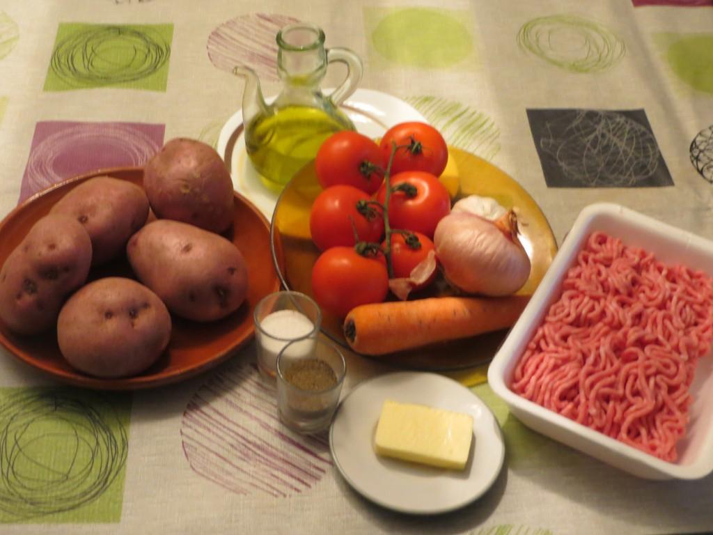 parte de ingredientes del rollo de patata relleno de carne