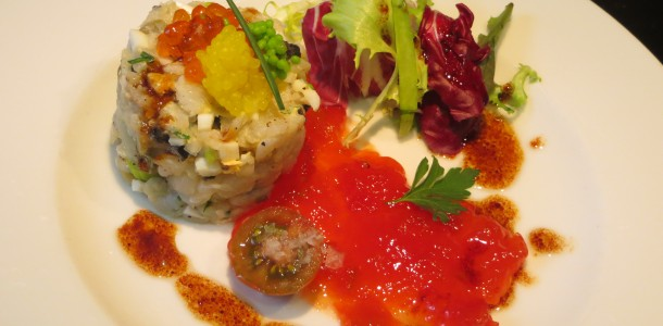 tartar de bacalao con confitura de tomate