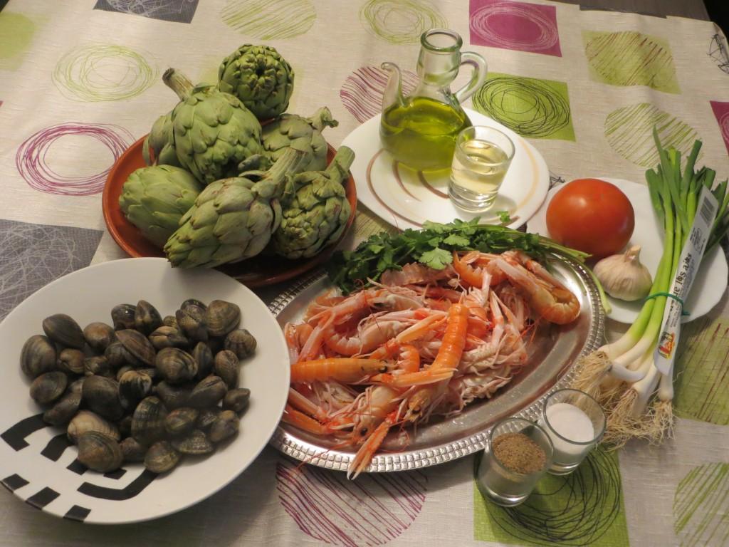 ingredientes de las alcachofas con cigalas y almejas