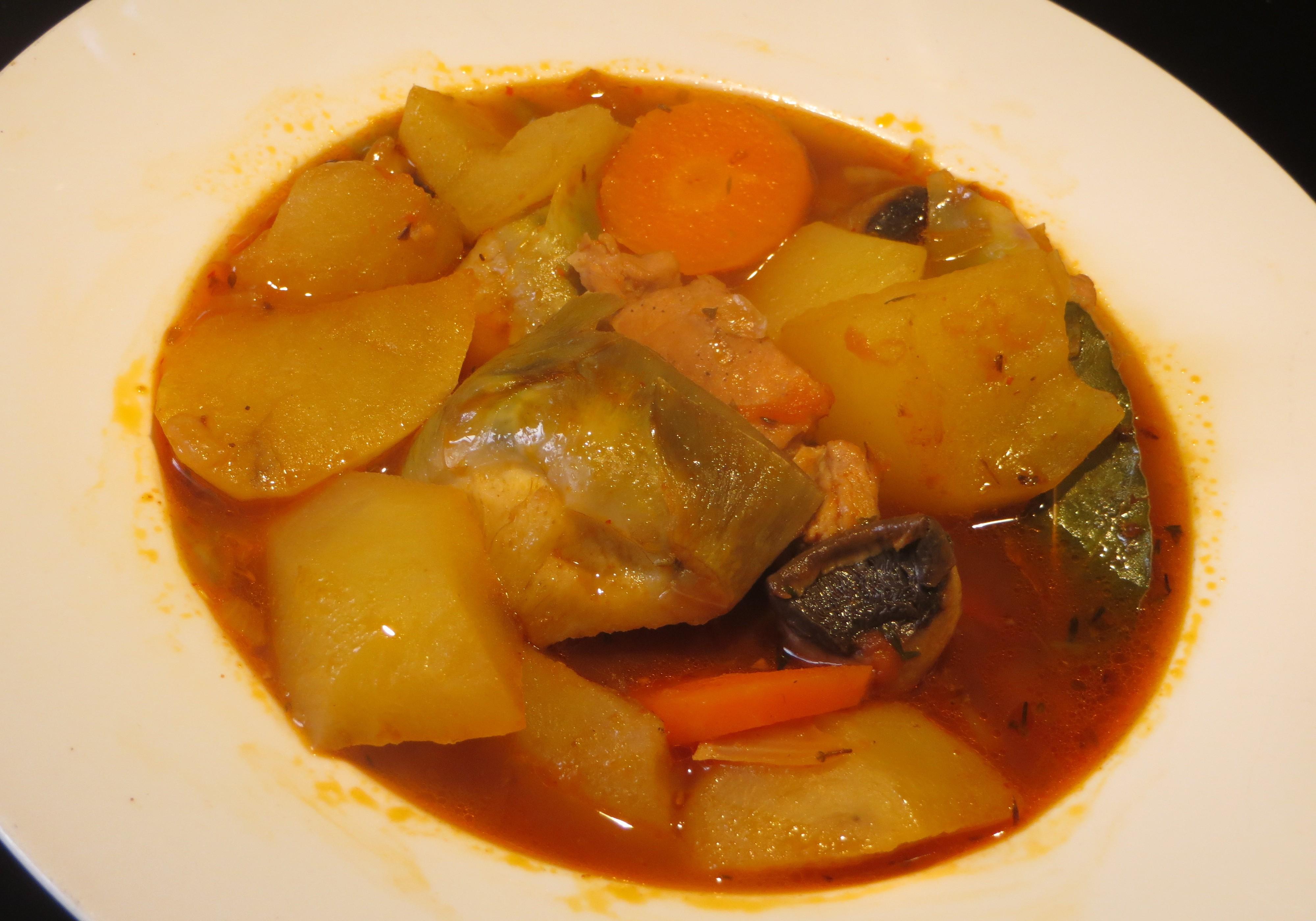 estofado de patatas con carne y verduras