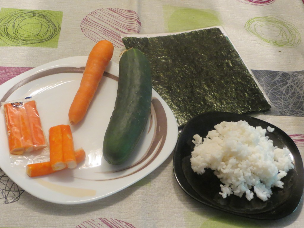 ingredientes rollo inverso de surimi con salmón