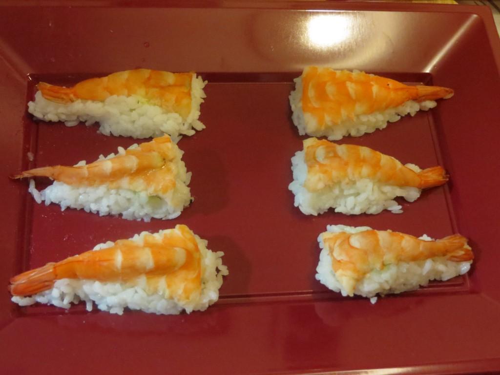 nigiri sushi de langostino con wasabi