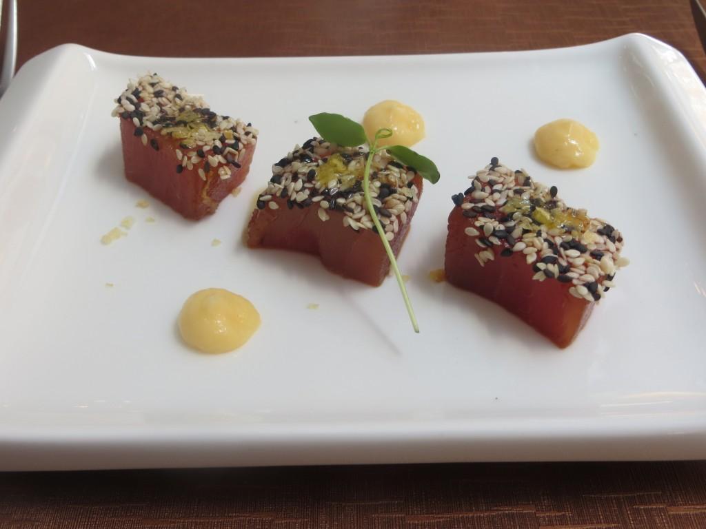 tacos de atún marinados