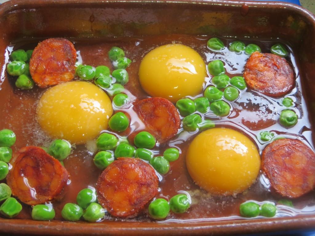 Jugando con fogones receta huevos al horno jugando con for Bandejas para huevos