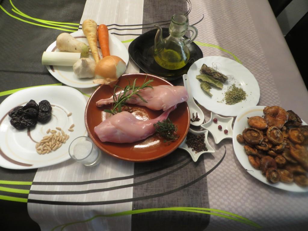 ingredientes conejo confitado con ciruelas y setas