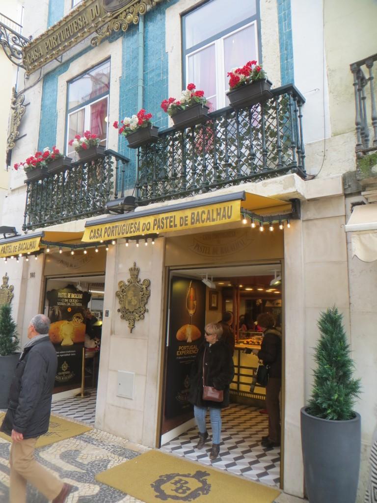 fachada casa portuguesa del pastel de bacalao