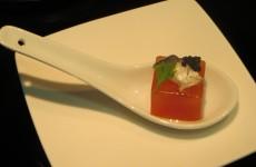 esencia de pipirrana con sardina marinada y huevas de lumpo