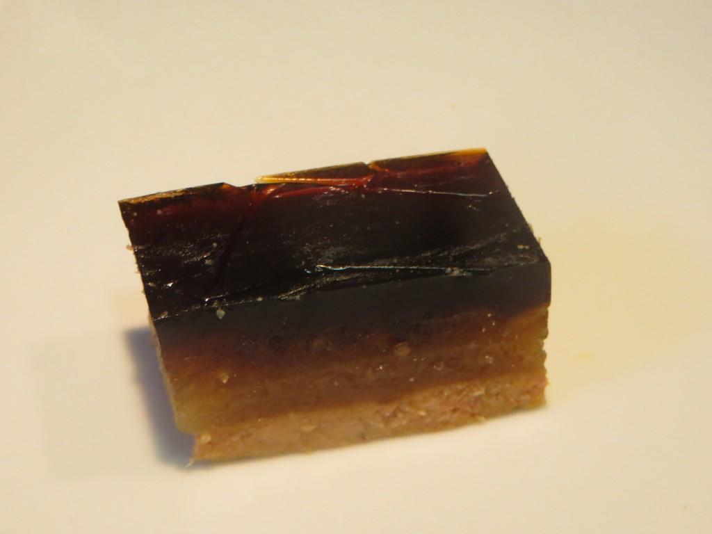 bombón de foie cortado en forma rectangular