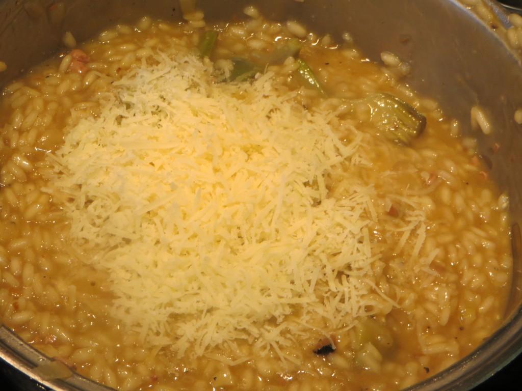 queso parmesano rallado incorporado al risotto