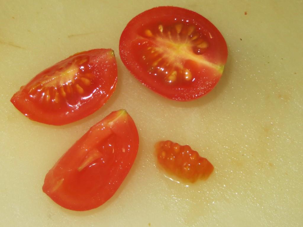 tomate cherry cortado