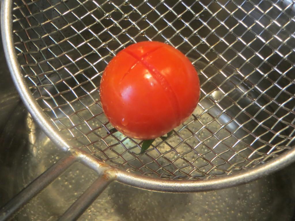 tomate cherry acabado de escaldar