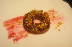mini donuts de chocolate con quicos picados